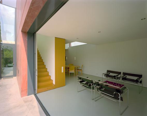 der innenraum wird um den au enraum erweitert die grenzen zwischen innen und au en sind. Black Bedroom Furniture Sets. Home Design Ideas