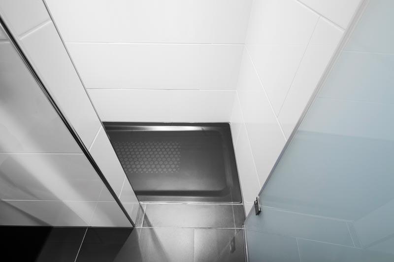 Passend zu den dunklen b den der badezimmer w hlte das - Badezimmer novel ...