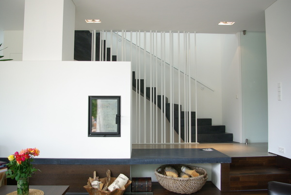 blick aus wohnzimmer treppe ins og wohnhaus in pflaumdorf. Black Bedroom Furniture Sets. Home Design Ideas