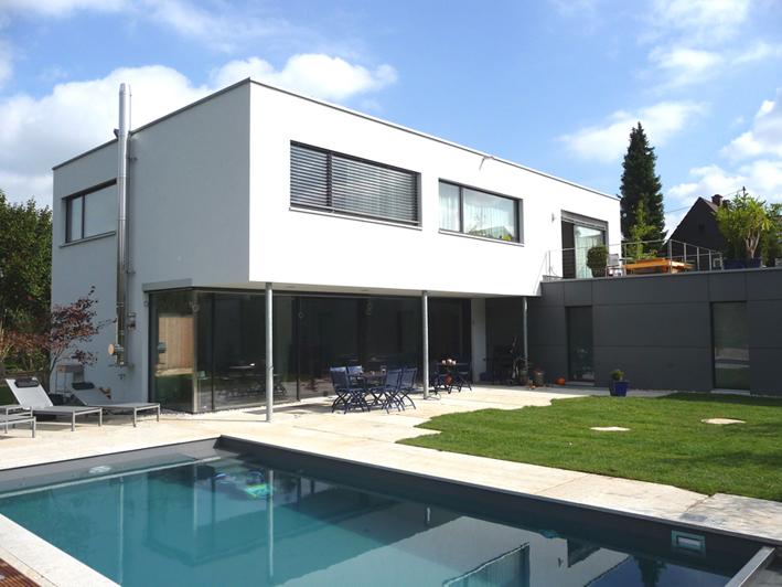 garten mit pool einfamilienhaus mit praxis architekturobjekte. Black Bedroom Furniture Sets. Home Design Ideas