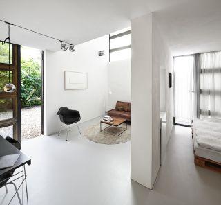 Super Plattenpalast – Wohnen im Minimal-Raum - Architekturobjekte CE66