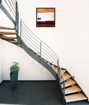 flachstahlwangentreppen fuchs treppen. Black Bedroom Furniture Sets. Home Design Ideas