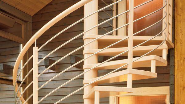 spindeltreppen aus holz fuchs treppen. Black Bedroom Furniture Sets. Home Design Ideas
