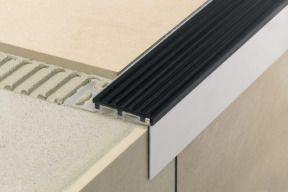 Treppenprofile Für Stufenkantenschutz Und Rutschsicherheit - Fliesen kantenprofil nachträglich
