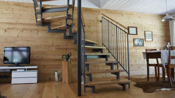 wohnhaustreppen aus holz und stahl stadler treppen. Black Bedroom Furniture Sets. Home Design Ideas
