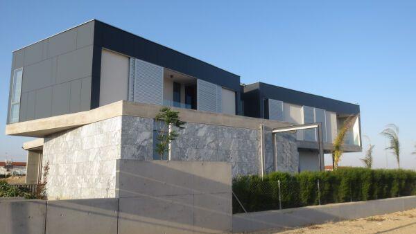 fassadenplatten max exterior fundermax. Black Bedroom Furniture Sets. Home Design Ideas