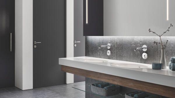 spezialarmaturen f r ffentliche und gewerbliche bereiche grohe. Black Bedroom Furniture Sets. Home Design Ideas